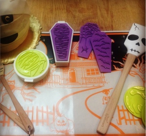 Tovolo Halloween Cookie Cutters Spatulas Baking Mat