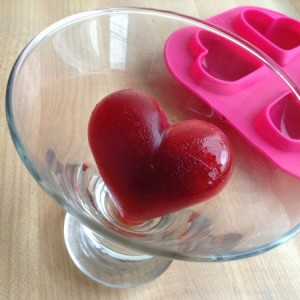 Valentines Vodka Spritzer Heart Ice