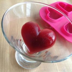 Valentines Vodka Spritzer Heart Ice