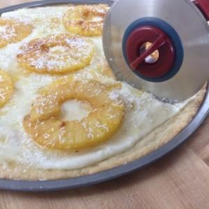 Pineapple Dessert Pizza Slicing 2