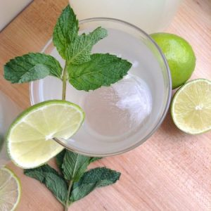 limeade-with-mint-glass-overhead