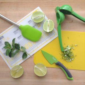 limeade-with-mint-glass-prep