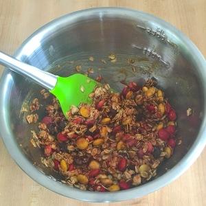 no-bake-pumpkin-cookies-mix-in-bowl