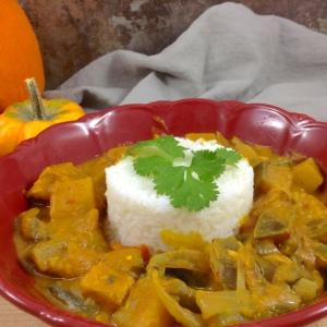 spicy-pumpkin-crock-pot-curry-round-rice