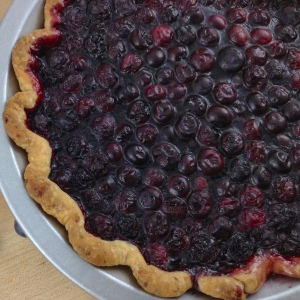 blueberry-pie-corner-crop