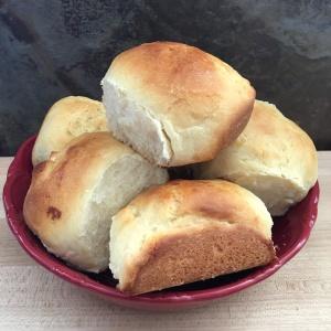 bowl of Hawaiian bread rolls