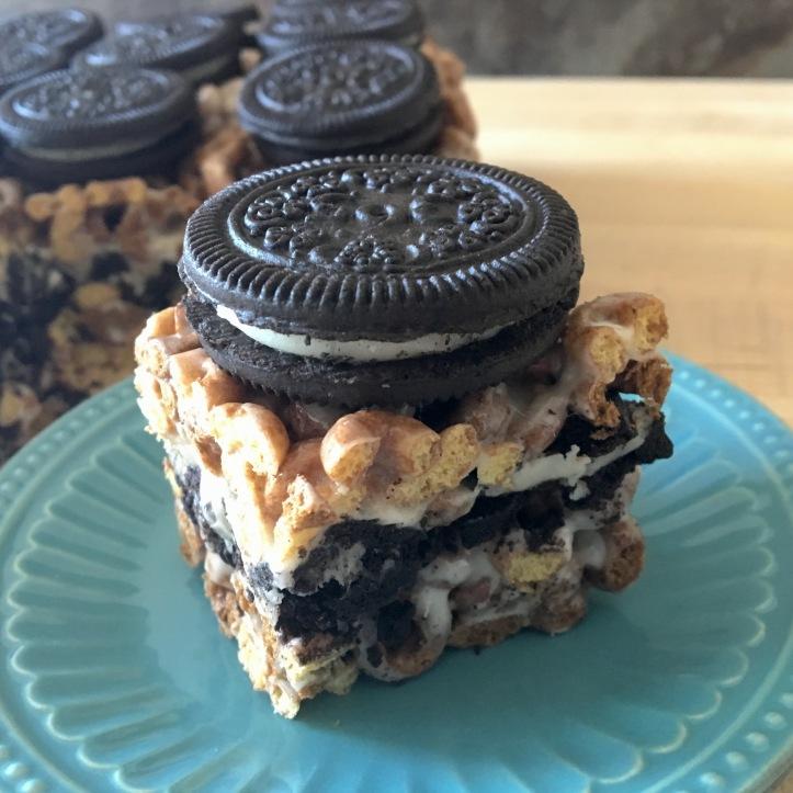 Cookies and Cream Dessert Bars - Main