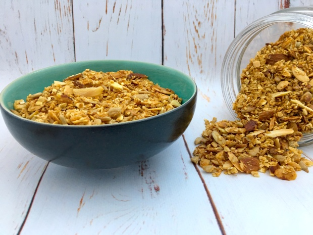 healthy_homemade_granola_bowl