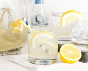 lemon_elderflower_lemonade
