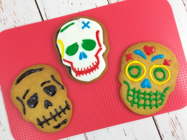 halloween_sugar_cookies_iced