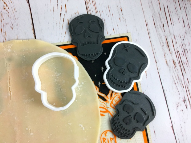 halloween_tart_of_horrors_skull_cookie_cutter