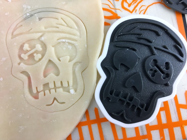 halloween_tart_of_horrors_skull_stencil