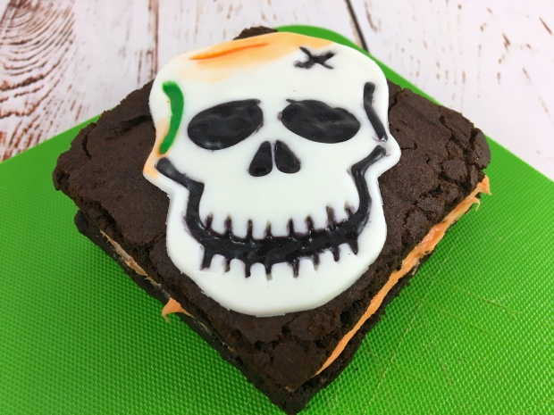 skull_brownie_sandwich