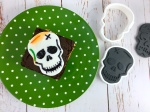 skull_brownie_sandwich_plate_cutters