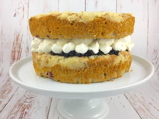 apple_blackberry_crumble_cake.JPG