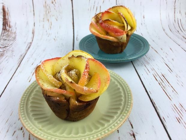 apple_cinnamo_blossom_buns_plated