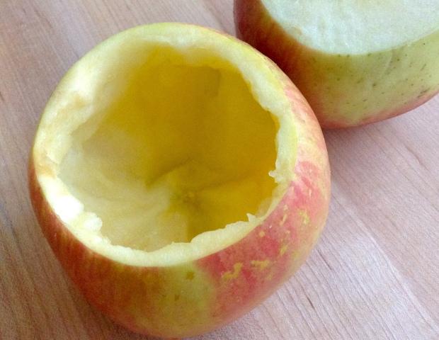 apple_crisp_baked_apples_scooped_apple