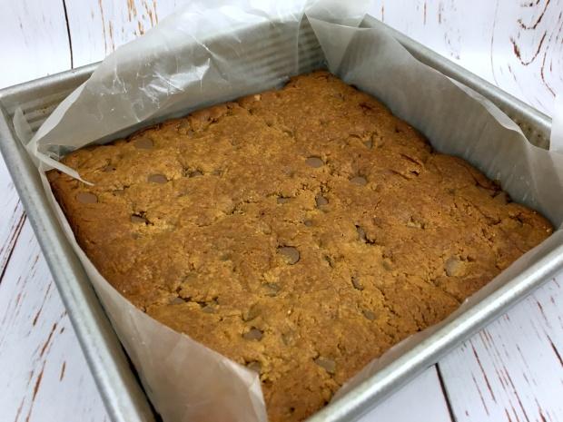 flourless_peanut_butter_blondies_baked